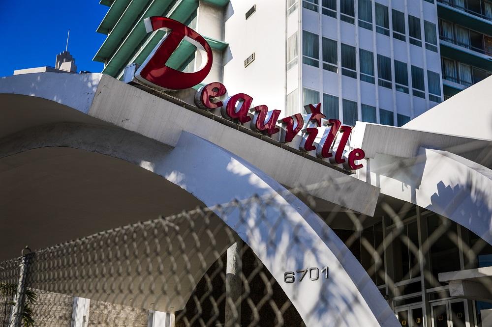 Deauville Beach Resort (Miami, Florida)