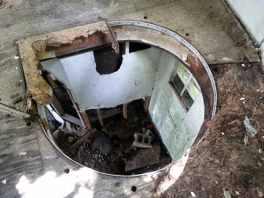 Abandoned Dome Cabin (Bloomington)